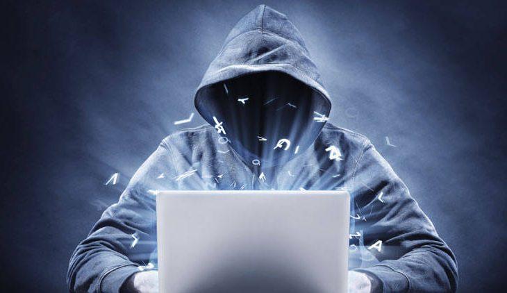 怪しいネット通販詐欺サイトに登録してしまったら個人情報を悪用される?